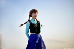 Frozen - Princess Anna by vaxzone