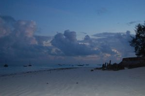 Sunrise on Zanzibar by JanJL