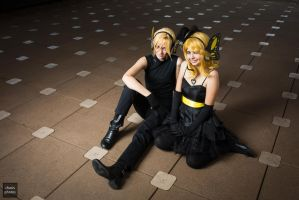 VOCALOID: Kagamine Magnet by KidOfSymmetry
