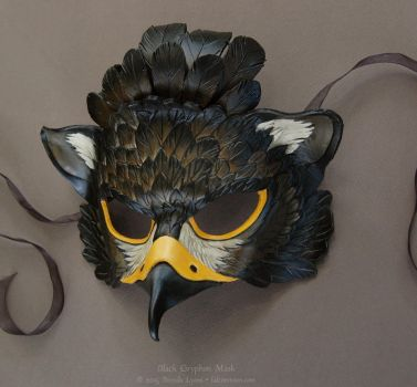 Black Gryphon Mask by windfalcon