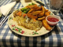 Pan-Seared Walleye with Kartoffel Wedges by nosugarjustanger