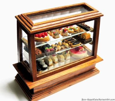 1:12 Pastry Display Case by Bon-AppetEats
