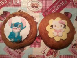 Fondant art: Stitch and Hello Kitty by NRfun
