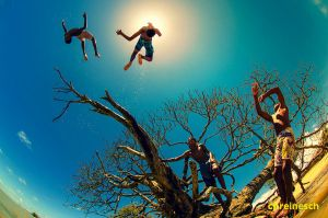 Swimming In The Air take vii - Children Of The Sun by oO-Rein-Oo
