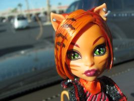 MH - Here Kitty Kitty by Grudge-Glamorous