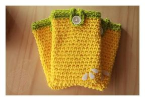 Lemon Cell Phone Cozy by theyarnbunny