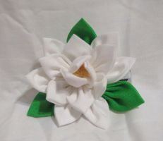Gardenia kanzashi by EruwaedhielElleth