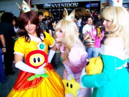 Daisy, Rosalina and Peach by PrisCosplay