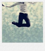 jump polaroid. by ThErEaLDoLLyFrikka