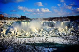 Winter in Niagara by bobby192