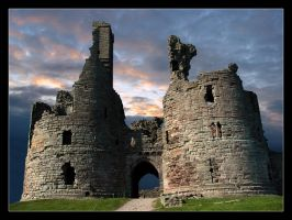 Dunstanburgh Castle by xyster