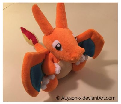 Charizard by Allyson-x