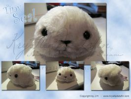 Tiny Little Seal by MooneyeKitsune