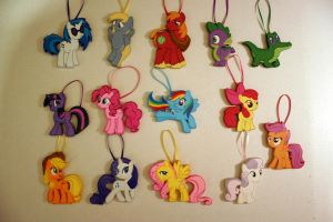 Woodwork Pony Ornaments by DogerCraft