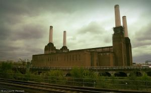 Battersea Power Station by Ultimate-Psycho