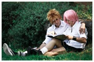 Narusaku reading together by SenninUzumaki