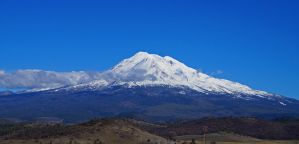 Mt. Shasta by tundra-timmy