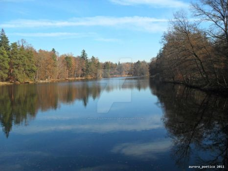 The Lake in Autumn 1 by white-elephant11
