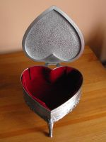 Heart shaped box 2 by Eisoptrophobic-stock