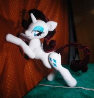 Upgraded fully posable, durable Rarity plushie by Oblitor