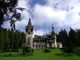 Peles Castle by MariuszMz