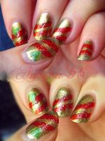 Easy Christmas nail art by SerenaDream