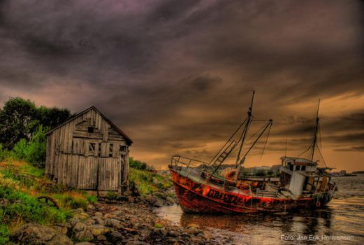 Rural decay 101 HDR by lomosapiens