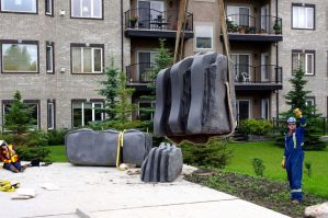 Reductive-sculpture-large-stone-(11) by Wheatking62