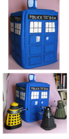 Tardis plush by VanilleB