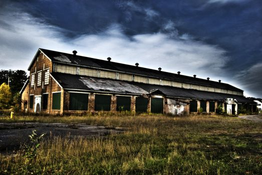 Barn hdr by Andrewflees