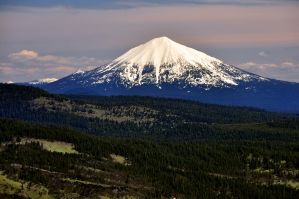 Mount McLoughlin by greglief
