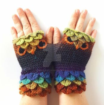 Dark Delight Owl Gloves by FearlessFibreArts