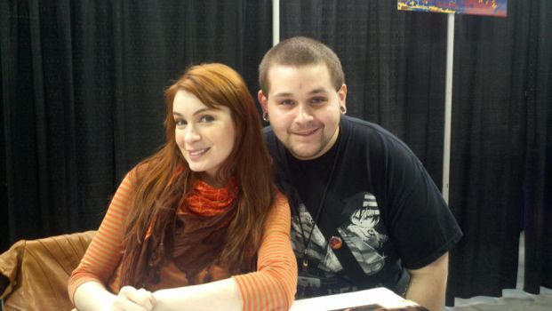 Me with Felicia Day at NYCC by lonewolfkliq