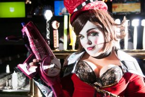 Mad Moxxi and her 'Good Touch' - Borderlands 2 by OxfordCommaCosplay