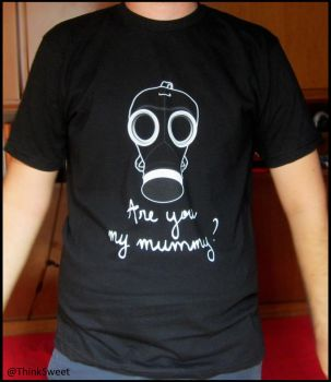 Doctor Who  -Are you my mummy?- T-shirt by ThinkSweet