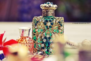 Perfume Bottle by Holunder