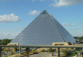 Memphis Pyramid by archambers