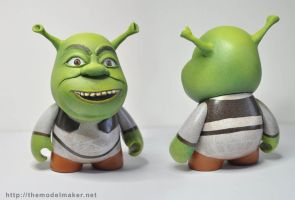 custom munny Shrek by artmik