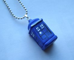 Tardis - Doctor Who Necklace by RavenMedia
