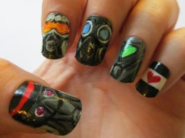 Romantically Apocalyptic nails :D by henzy89