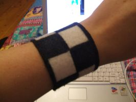 Roxas Braclet by Crazy-City-Child