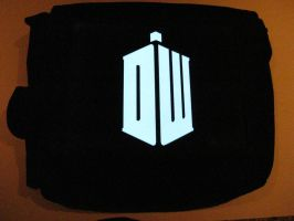 Glowing Bag - Doctor Who Logo by techgeekgirl