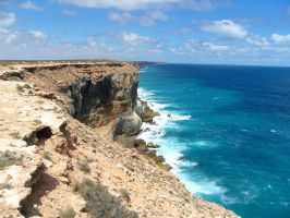 Nullarbor Cliffs by BioHazardSystem