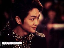 Onew: 121229 Gayo Daejun Red Carpet by waterbirdART