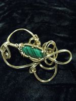 Brooch in malachite and gold by DPBJewelry