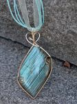 Labradorite Flash by magpie-poet