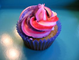 cupcake on blue by Kerbi