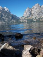 lake and mountains by JunkoAn
