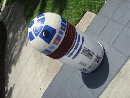 R2D2 Pillar by KermitLGonzalez