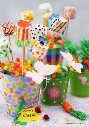 Happy Spring - Marshmallow Pops by theresahelmer